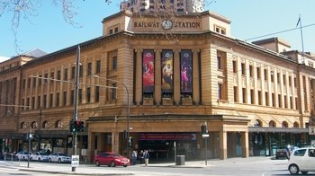 City of Churches Half-Day Tour with Optional Cruise or Adelaide Oval