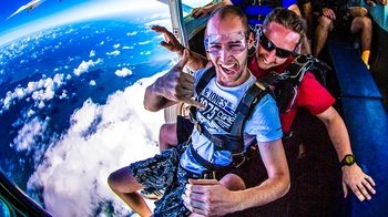 Cairns Tandem Skydiving Experience