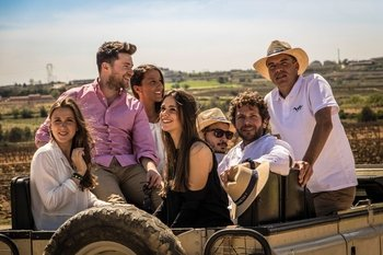 Local Wine & Cava with Tapas & 4x4 Vineyard Tour Small Group