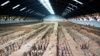 Private Tour of Warriors Museum, Cave Dwelling & Hanyangling