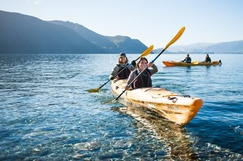 Full Day Guided Kayak Tour on Lake Wanaka