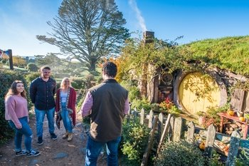 Waitomo Glowworm Caves & Hobbiton Movie Set Full Day Tour