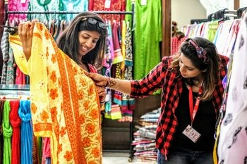 Made In Delhi Small Group Shopping Tour