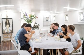 Private Houseboat Dining With Locals