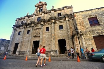 City of First Walking Tour of Santo Domingo