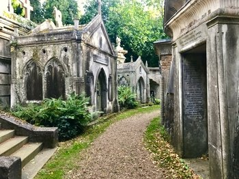 Victorian London and Highgate Cemetery Tour
