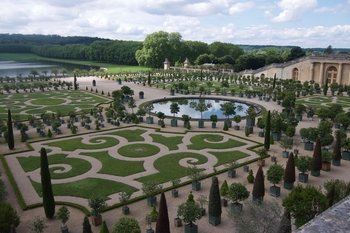 Versailles Palace & Gardens half day tour with skip the line