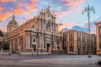 Catania: Exclusive Walking Food Tour