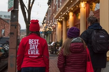 Baltimore: Fells Point Happy Hour Small Group Tour