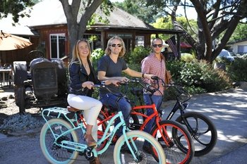 Electric Bike Hire And Wine Tasting Package