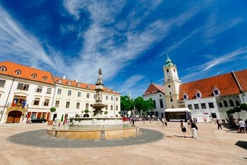 Bratislava: Day Trip from Vienna by Bus