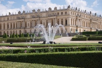 Versailles Palace & Gardens Full Day tour with Petit Trianon