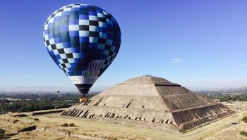 Teotihuacan Pyramids Hot-Air Balloon Flight