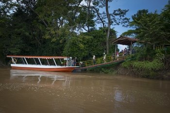 Shuttle from Jaco Beach to Arenal with Crocodile Tour