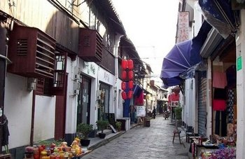 Ancient Water Town and Huangpu River Cruise Tour in Shanghai