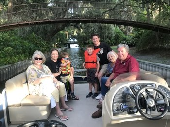 One hour Pontoon Boat Cruise of The Chain of Lakes