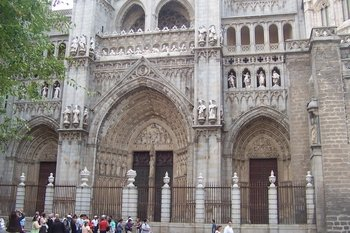 Day trip to Toledo by luxury VIP Class bus ALL inclusive