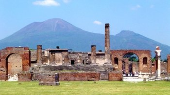 Skip the Line Pompeii & Vesuvius Private Tour with Hotel Pick Up