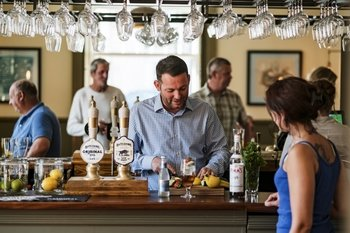 English Country Pub Dining and History Experience - Evening