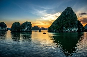 3 Days Halong Cruise at Luxury Junk