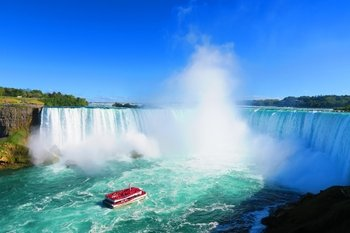 Toronto To Niagara Falls Tour with Lunch & Boat Cruise