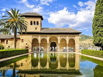 Alhambra guided tour from Málaga and Costa del Sol