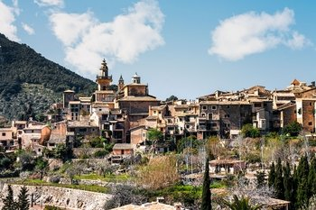 Mallorca tour to Valldemossa and Soller from the north area