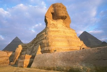Guided Day Trip to Cairo from Hurghada By Bus