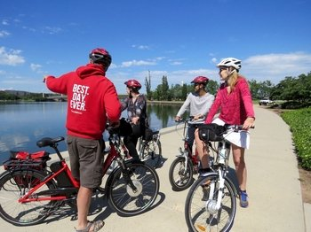 Canberra: Discover the Nature Capital by Electric Bike Tour
