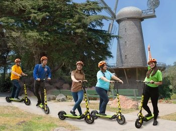 Electric Scooter Golden Gate Park to Ocean Beach Tour