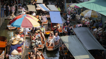 Floating Market Guided Tour with Long Tailed Boat