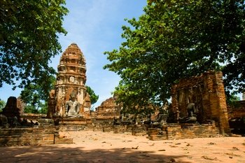 Ancient Temples of Ayutthaya, River Cruise and Lunch