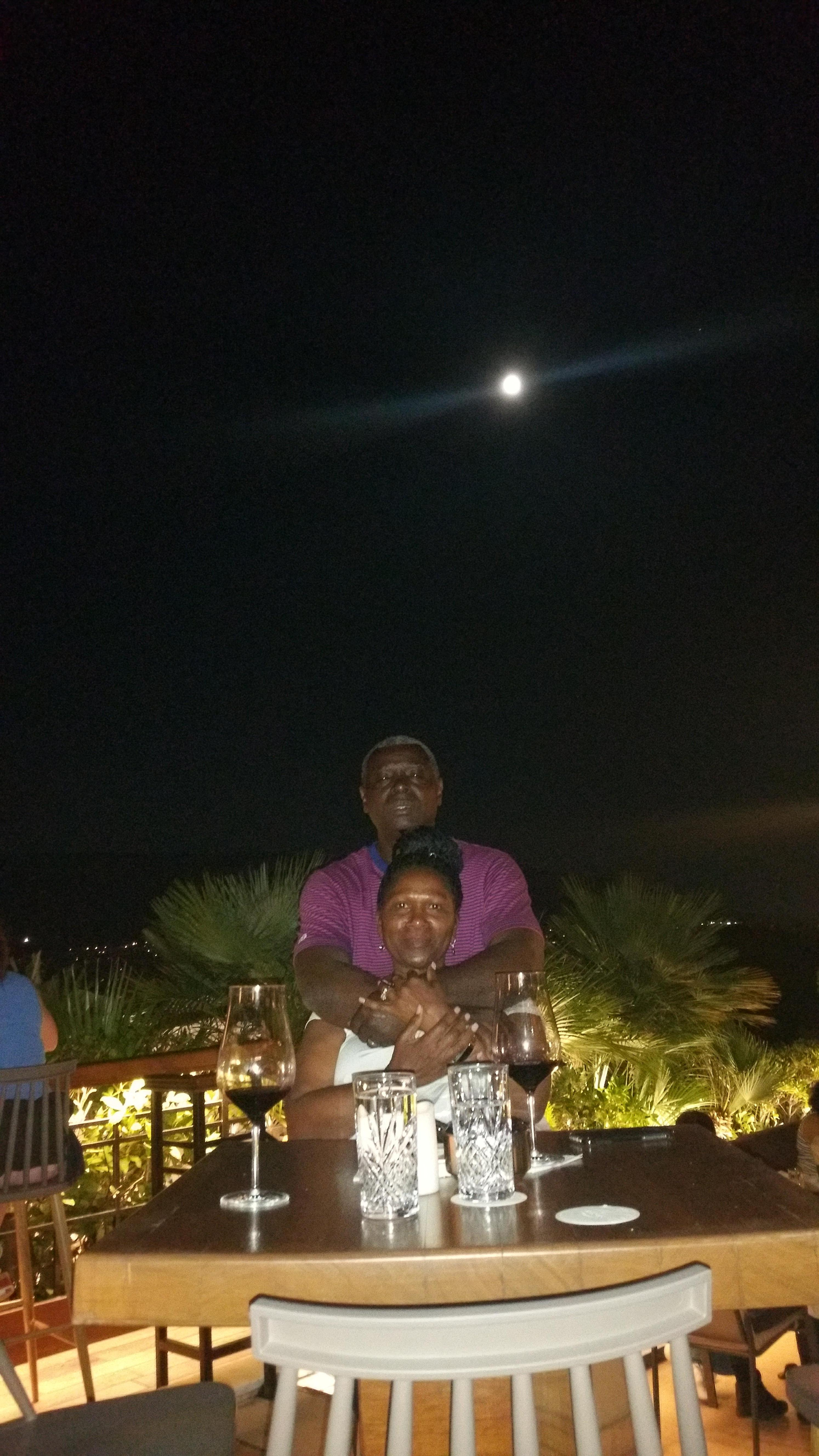 Having dinner under the stars on a moonlit nite at the restaurant on the rooftop. .it was very romantic