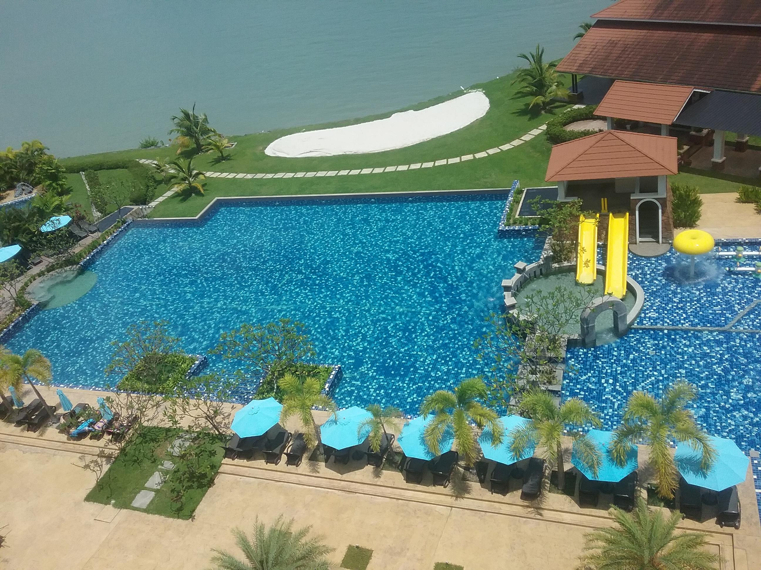 Dayang Bay Serviced Apartment & Resort Deals & Reviews ...