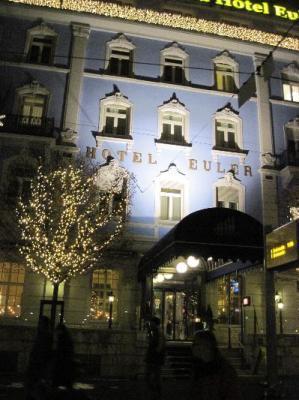Night shot of Hotel Euler