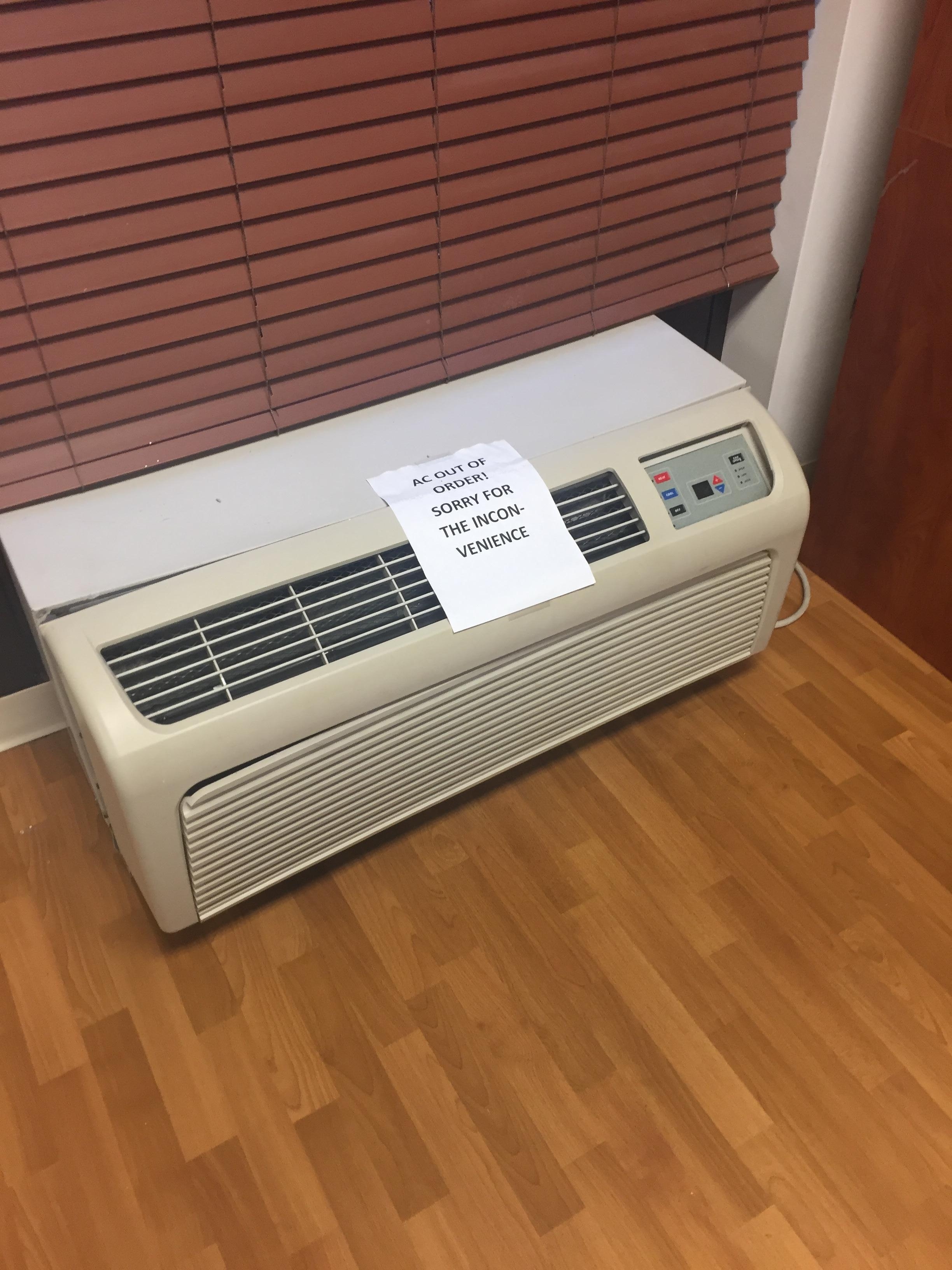 Air conditioner in fitness center