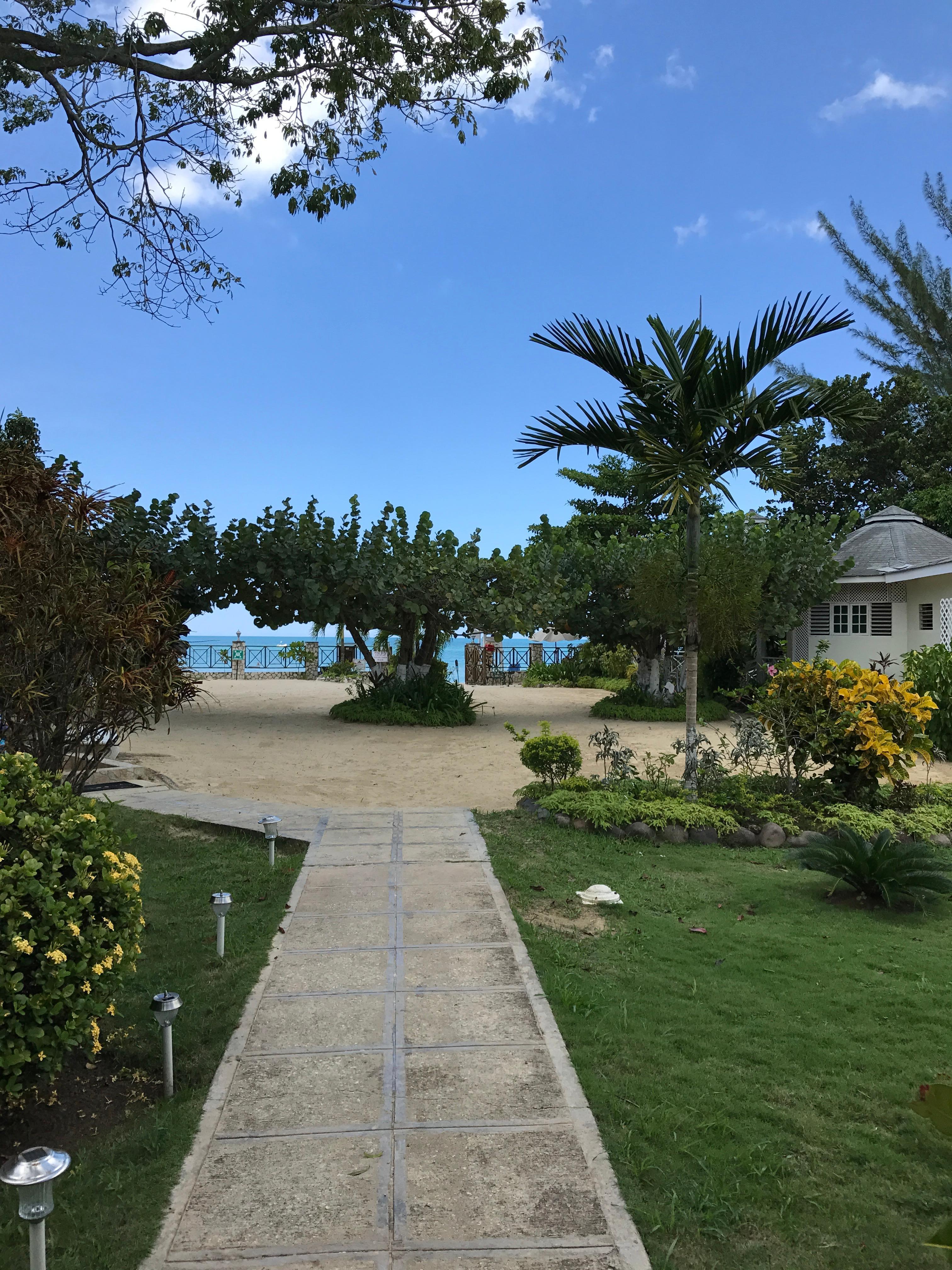 Beach Courtyard