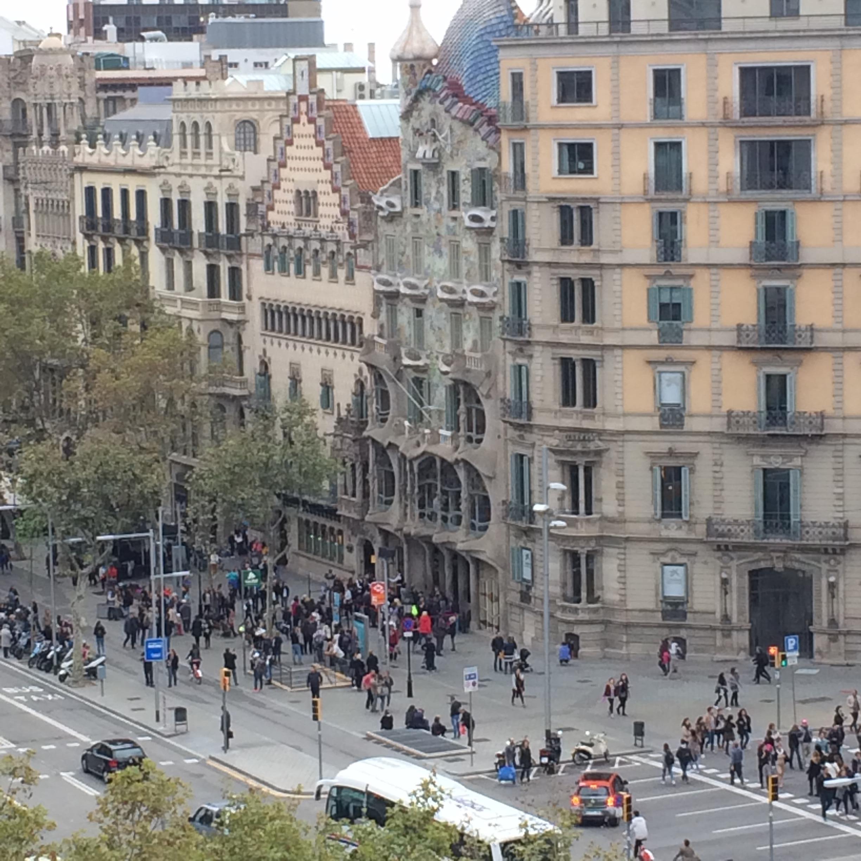 Blick von der Terrasse auf die Passeig de Gracia