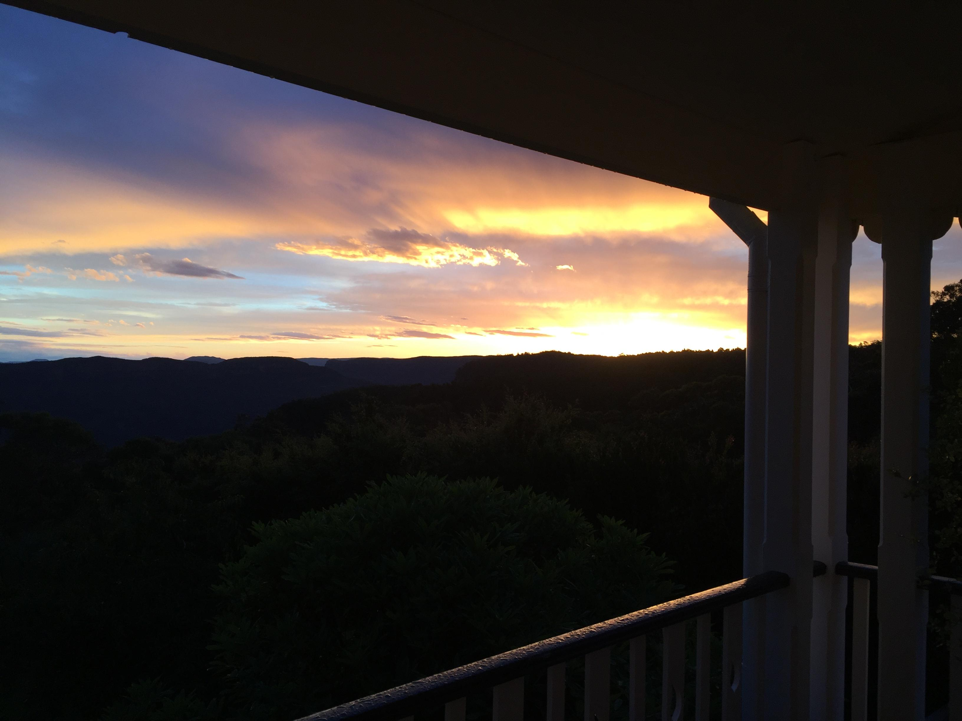 moments Mountain Retreat Deals & Reviews (Wentworth Falls