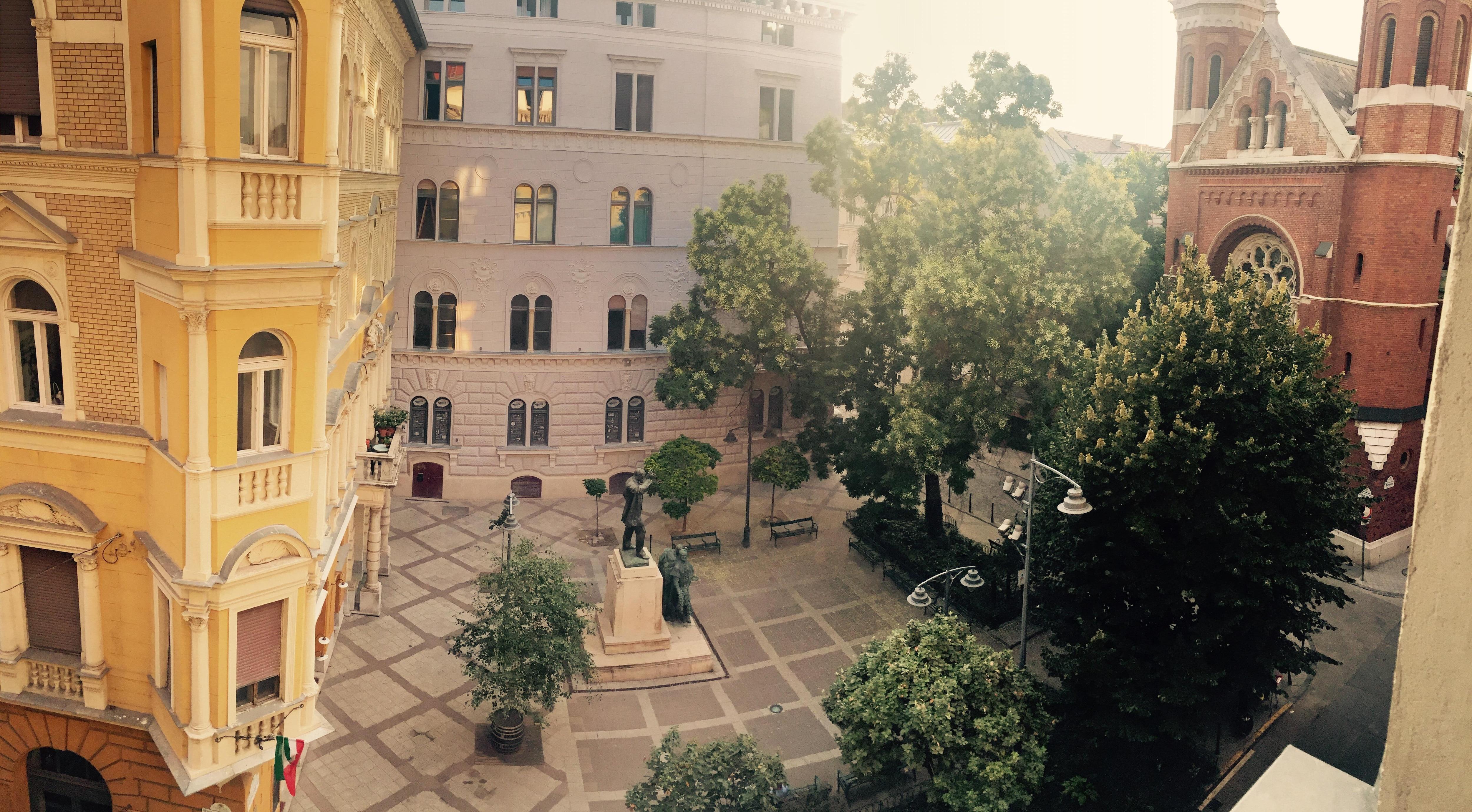 Blick aus dem Zimmer auf den Platz