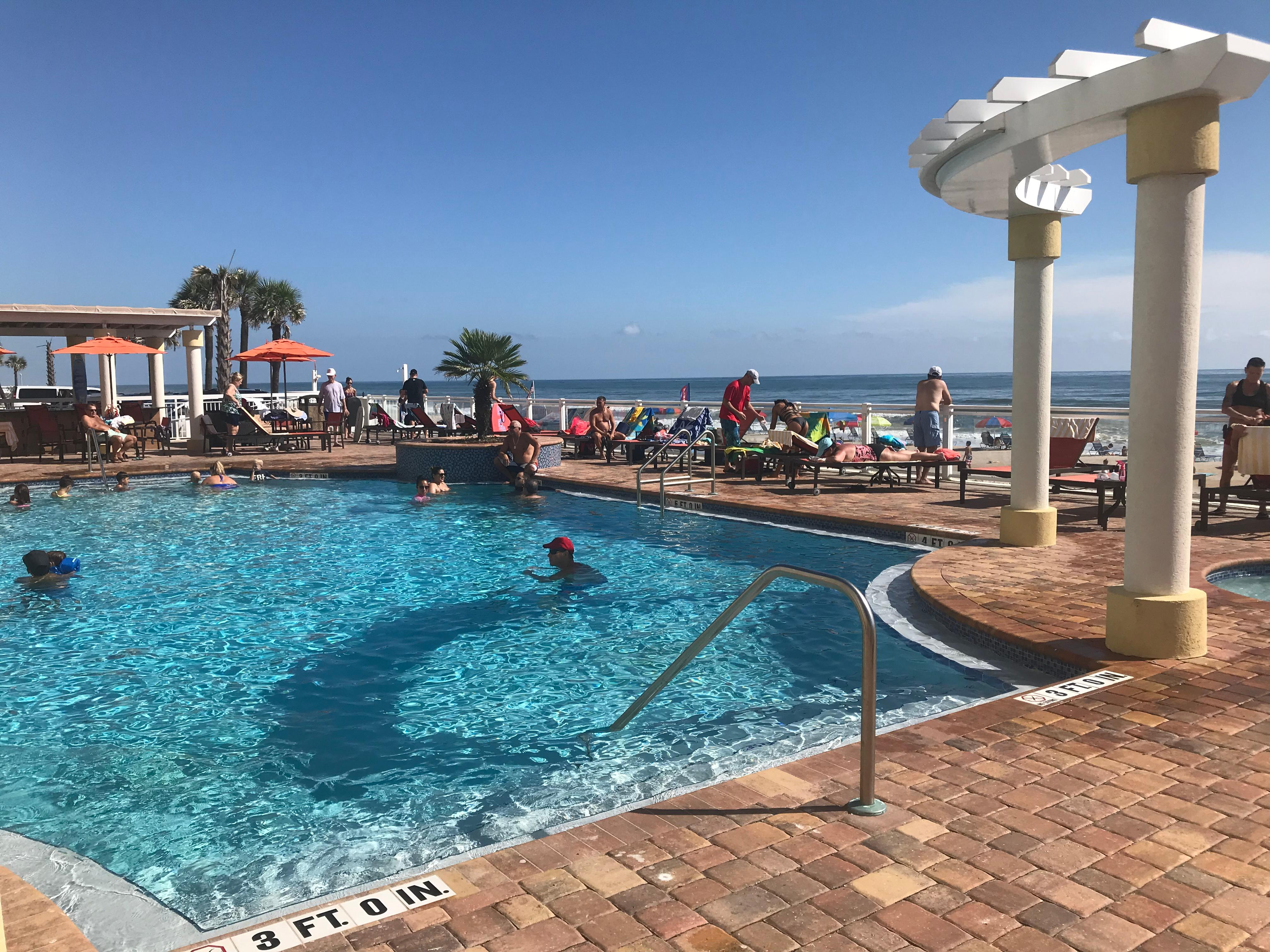 everything was perfect beautiful and very accommodating the price was really reasonable for the hilton wish we could of stayed longer xxxxxxxx - Hilton Garden Inn Daytona Beach Oceanfront