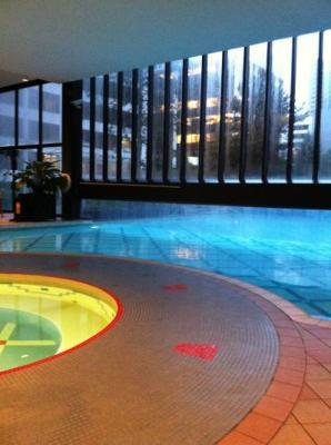 outdoor pool access from the inside... pretty cool!