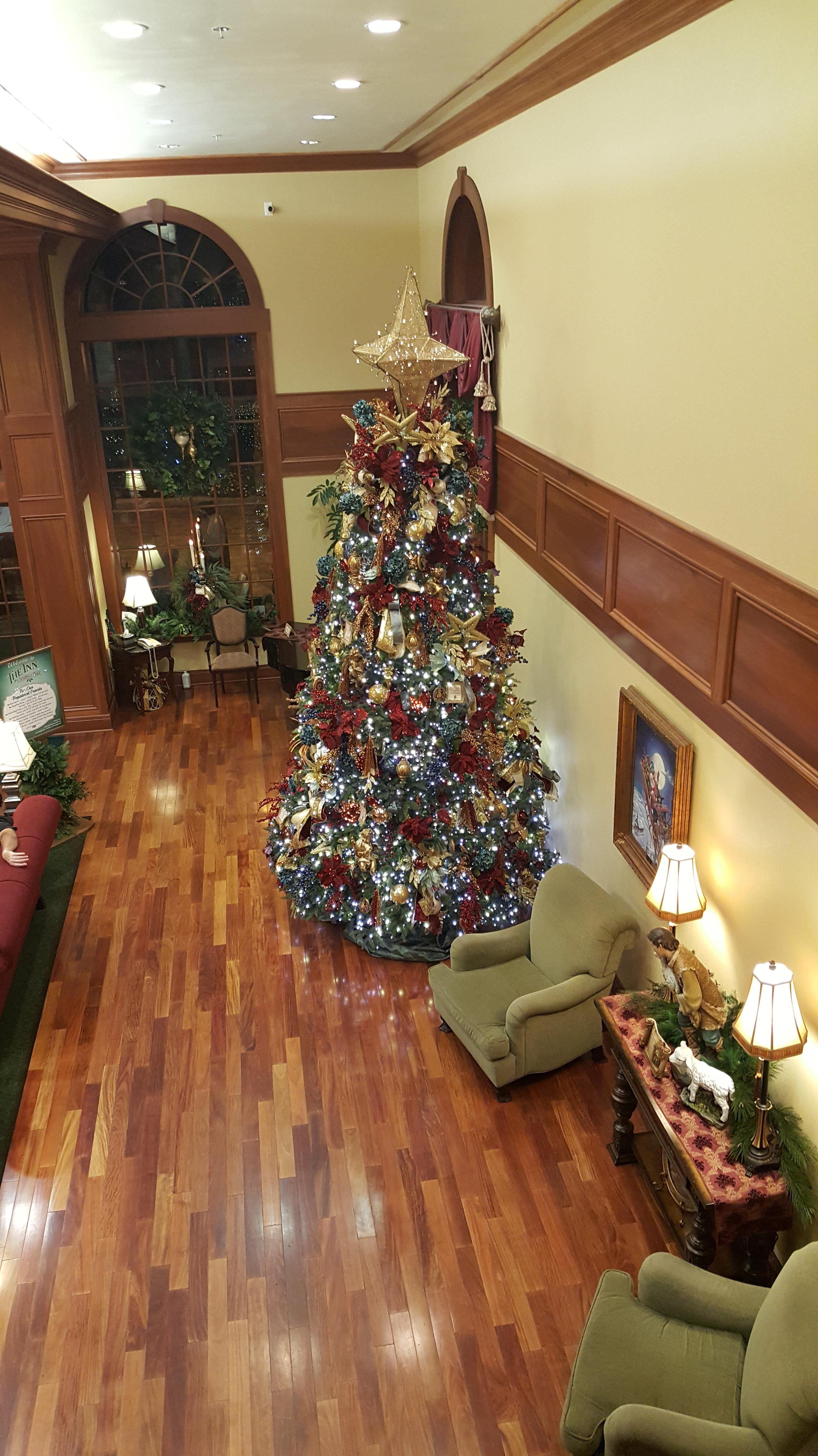 the inn at christmas place in gatlinburg pigeon forge hotel rates reviews on orbitz - Christmas Inn Pigeon Forge Tn