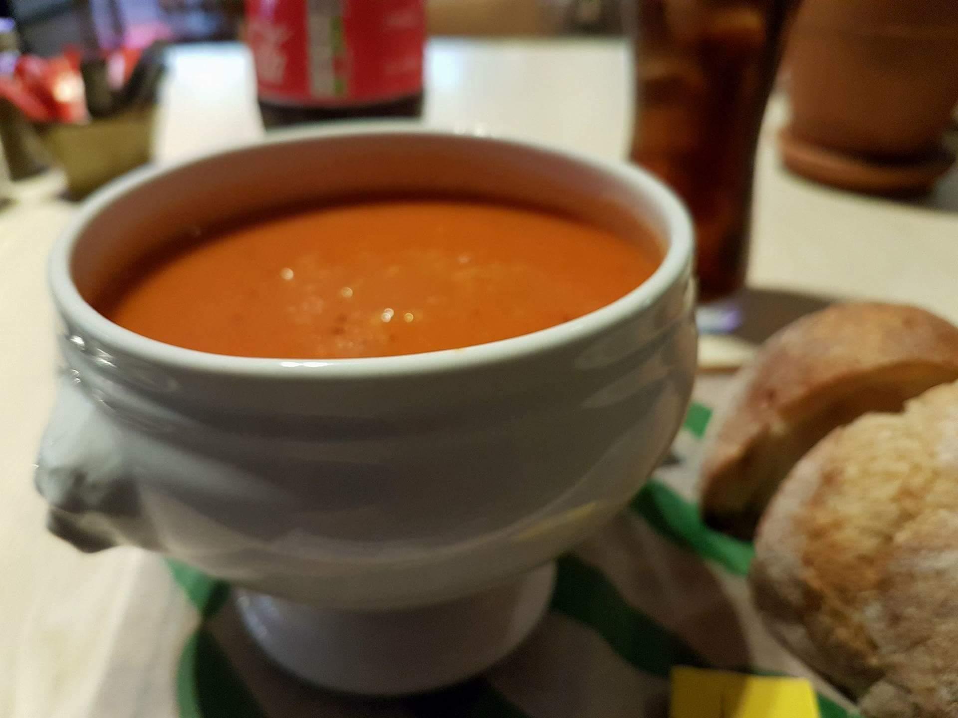 Diese leckere Suppe habe ich mehrmals abends im Hotel gegessen.