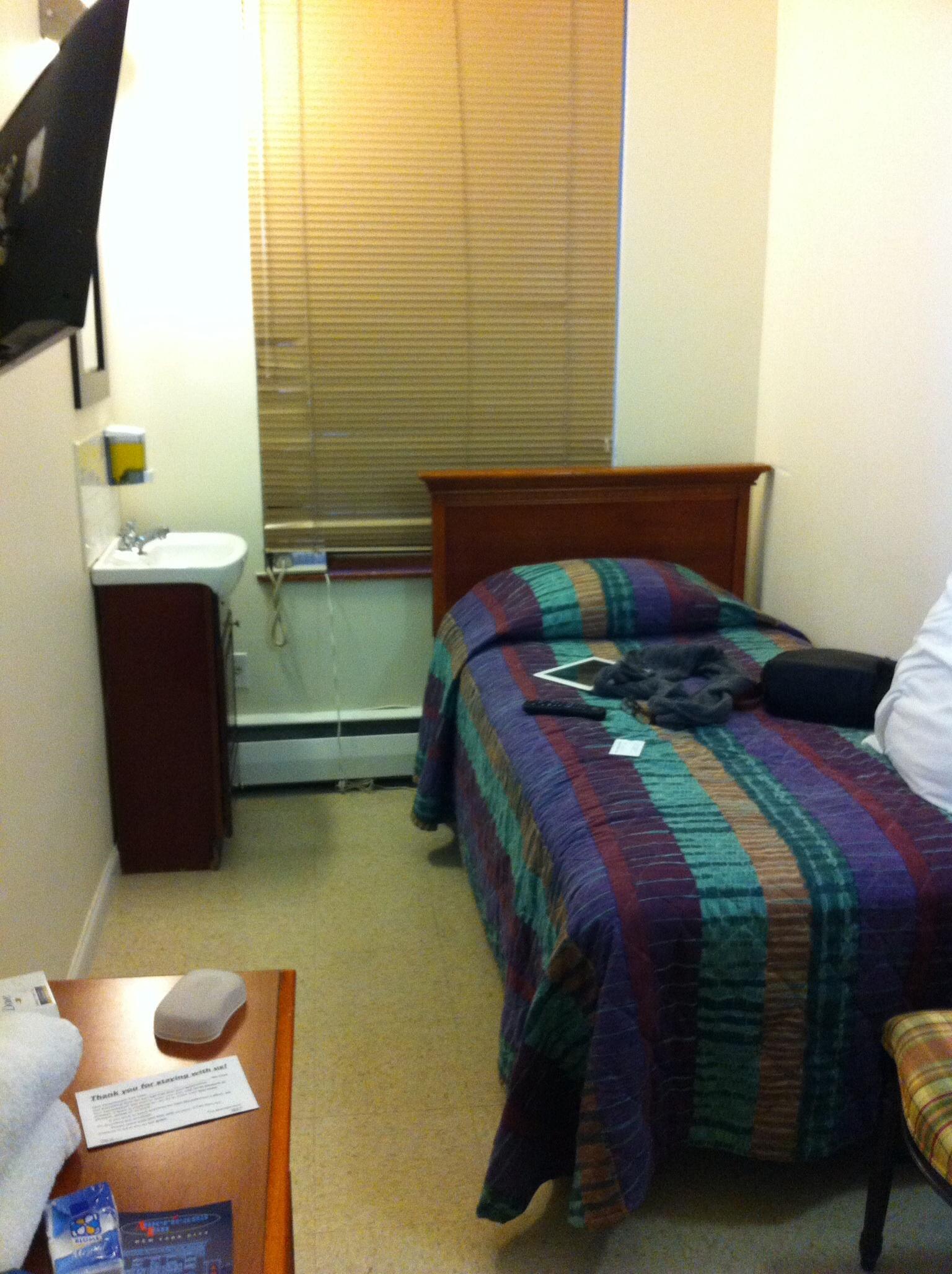 Minimal room , high plafond