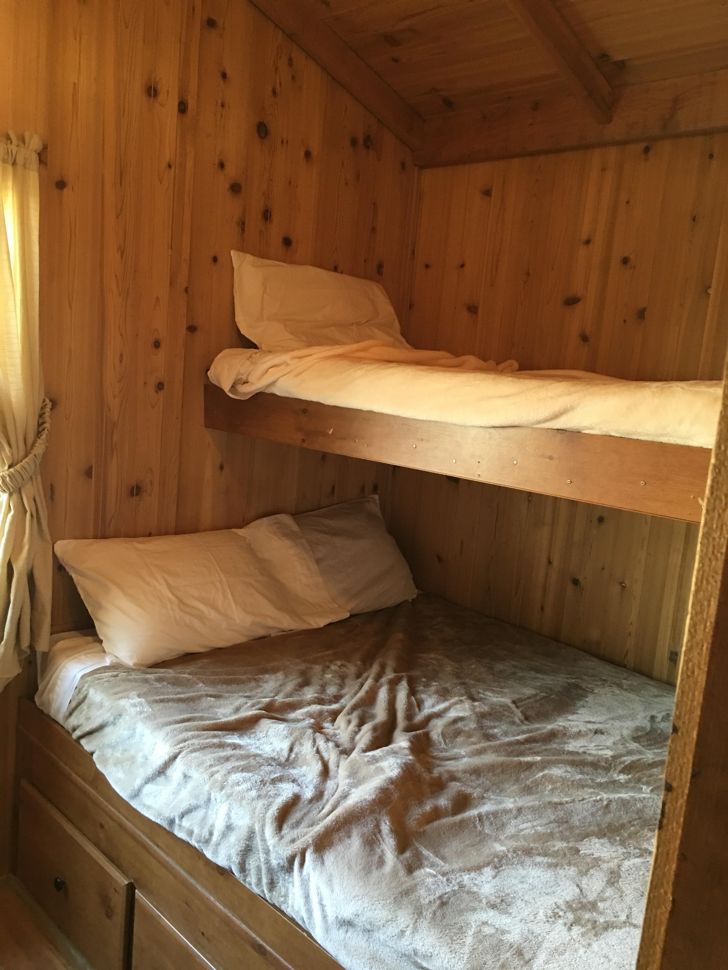 Bunk beds in 'Oak' cabin. Comfy!