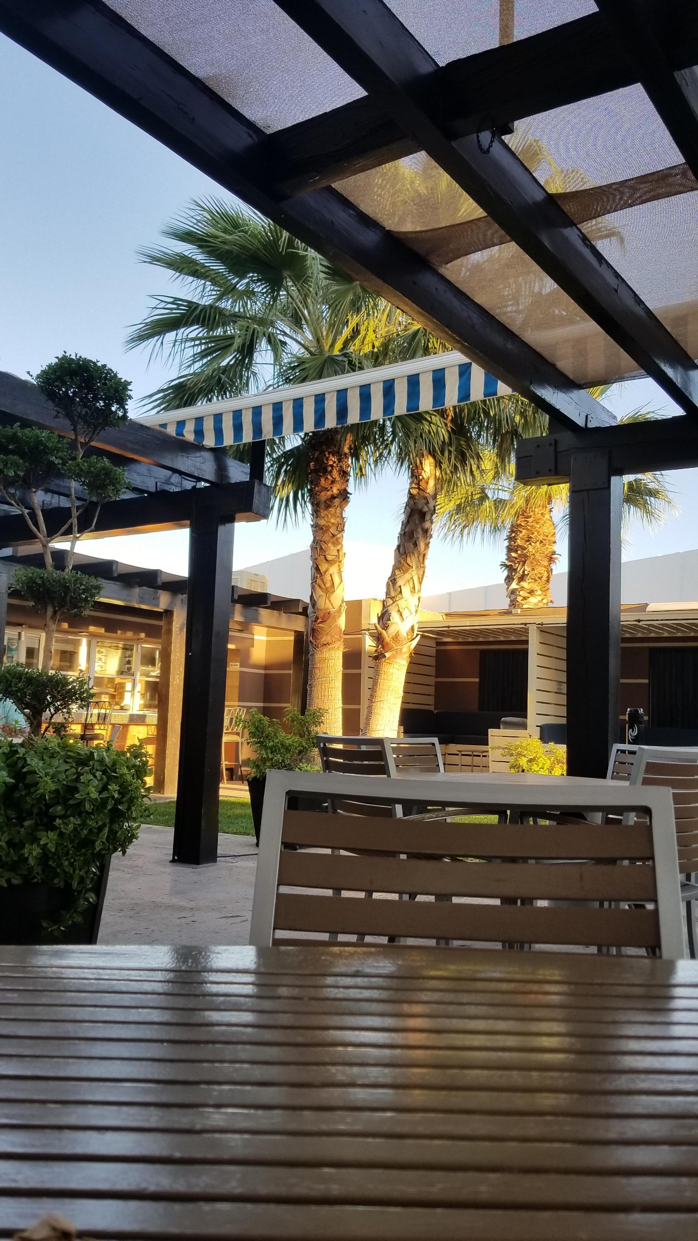 Hotel Mesaluna Near American Consulate: Precios, promociones y ...