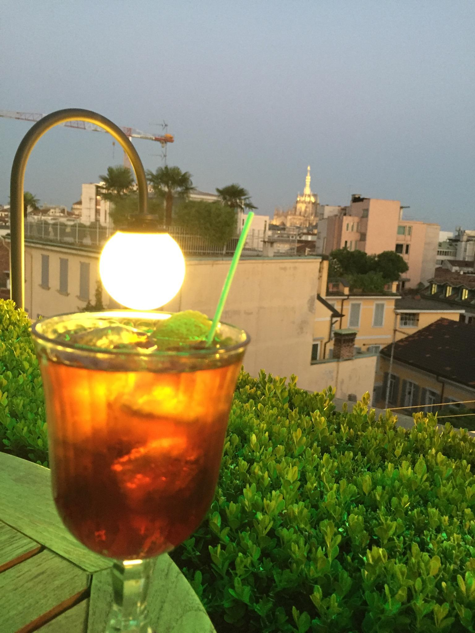 Good drinks on rooftop