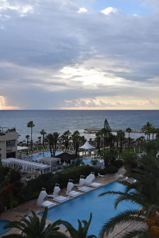 Blick vom Zimmer auf den Hotelpark
