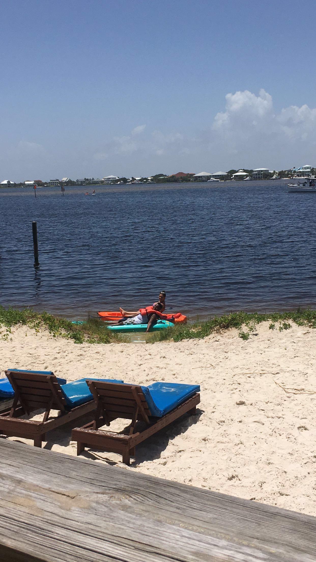 Free kayaking on bayside of beach